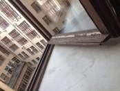 окно и двор колодец